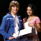 02-zac-efron-musical-400a041207