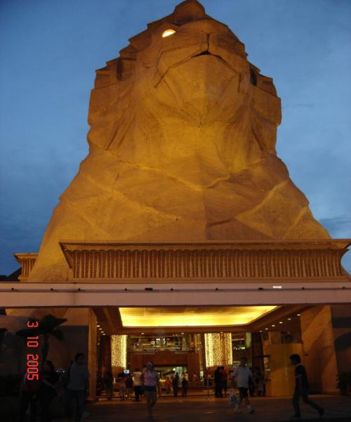 مجمع الأهرامات ماليزيا