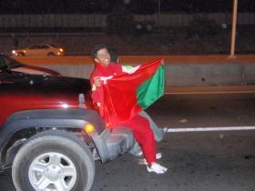 الجمهور العماني بعد الفوز بكأس الخليج 19