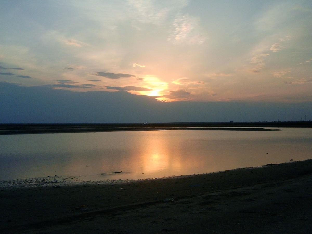 غروووووب الشمس ... من تصويري>>>(( السوادي))