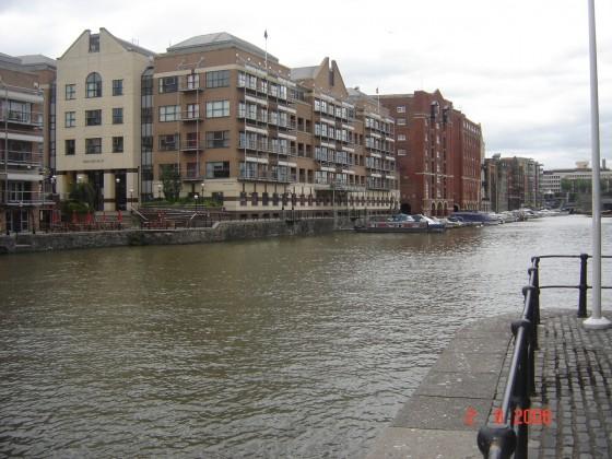 نهر في مدينة بريستول بريطانيا Bristol UK