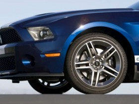 2010 Ford Mustang Shelby GT500   319 2239