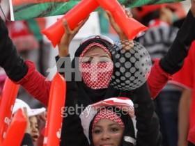 صور مشجعات لمنتخبنا الوطني في خليجي 19
