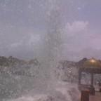 اعصار جونو على امواج الكورنيش 2