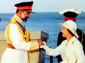 السلطان قابوس